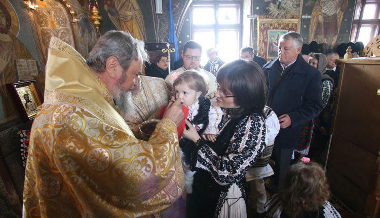 Mitropolitul-Ardealului-liturghie_februarie_2019