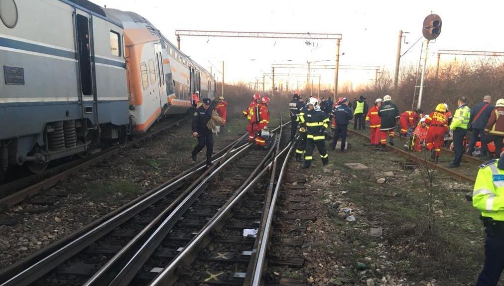tren_triaJ_18_decembrie